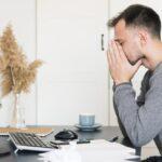 Infelicidade no trabalho causa malefícios à saúde e à produtividade